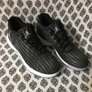 new products cd121 4bddd Jordan Shoes - NWOT Air Jordan B. Fly Black Dark Grey 881444-010
